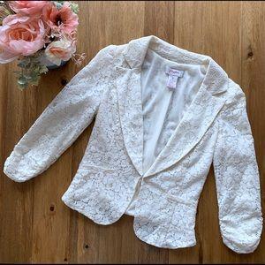 Junior's small lace blazer